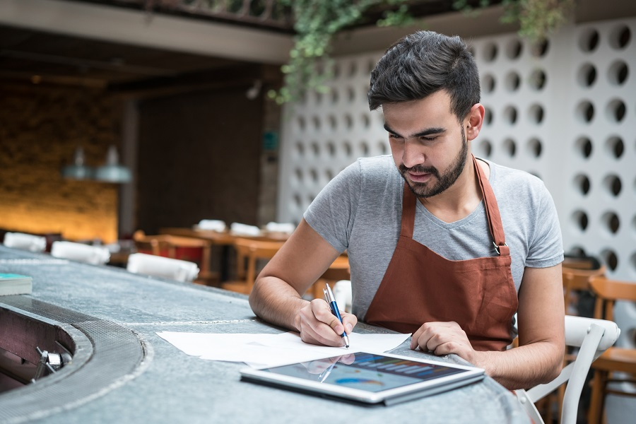 3 Ways Restaurants Can Leverage Data to Grow Sales